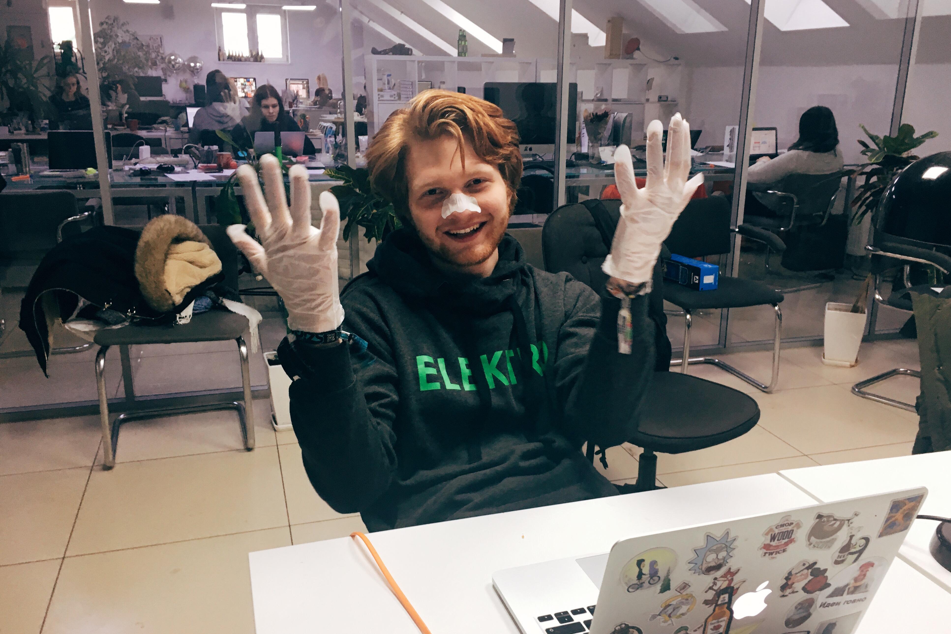 Увлажняющая маска-перчатки от Skinlite